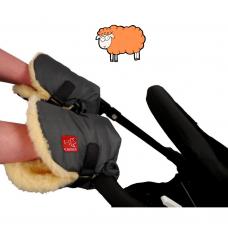 Handwärmer aus Lammfell für den Kinderwagen